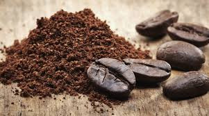 BORRAS DE CAFÉ como neutralizador de odores.