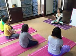 PHA_講座_綾子_yoga