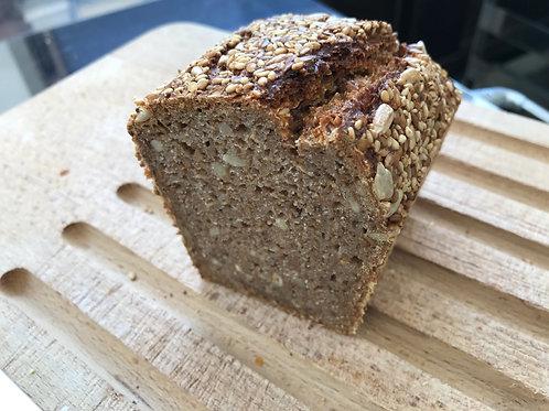 1-4-2 種のパン(ザーテンブロート ハーフ)