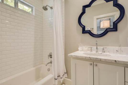 1500 Murray Ln-large-038-38-Other Bath 0