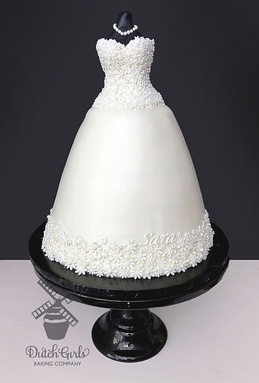 wedding dress shower cake