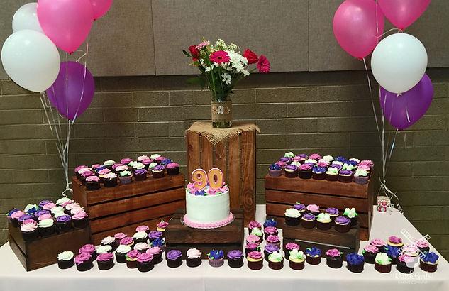 Garden cupcake table
