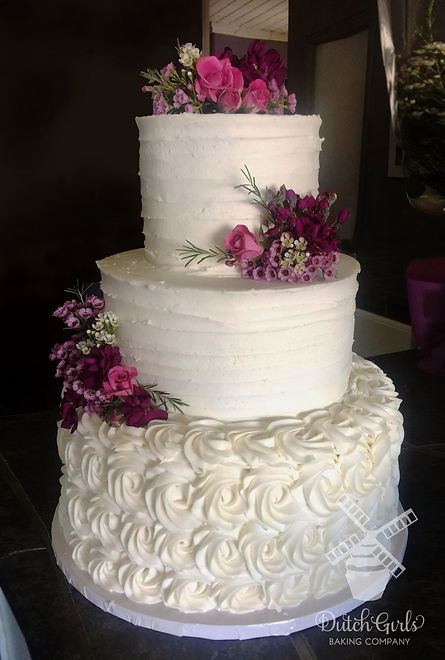 Oakdale wedding cake