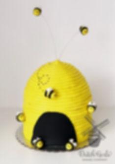 beehive bee cake