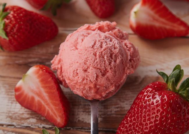 icecream_strawberry_red_spoon_gelato_del