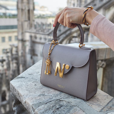 cardinalno First Lady Taupe textured leather bag duomo milano social media sharecampaign