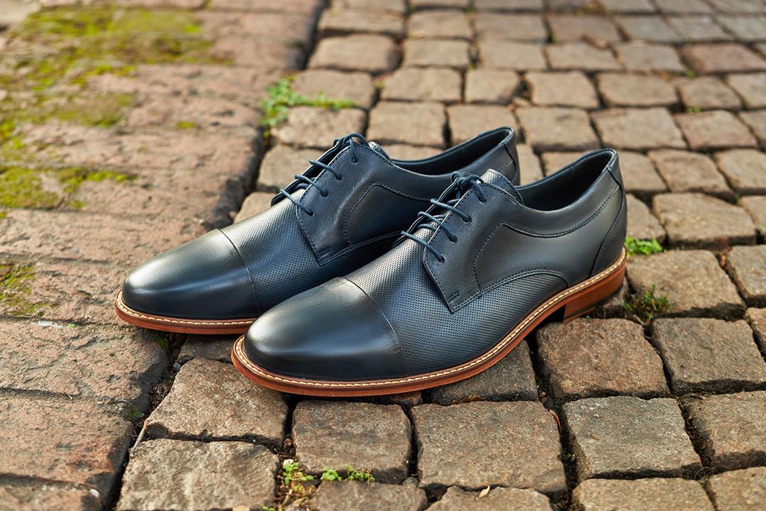 savelli_shoes_office_blue_closeup_milano