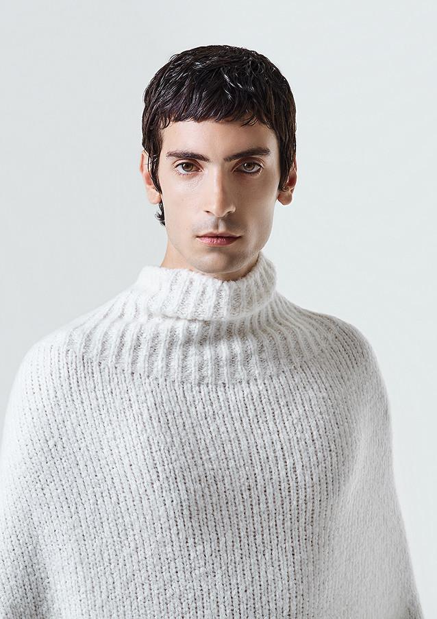 cariaggi filato cardato white caucasian model studio photo by sharecampaign