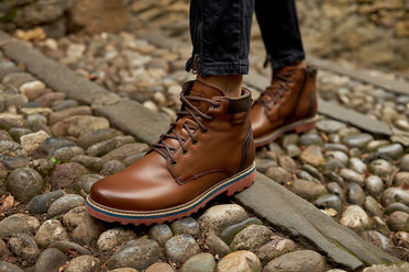 ferricelli shoes brown bergamo italy tracking summer closeup social media sharecampaign