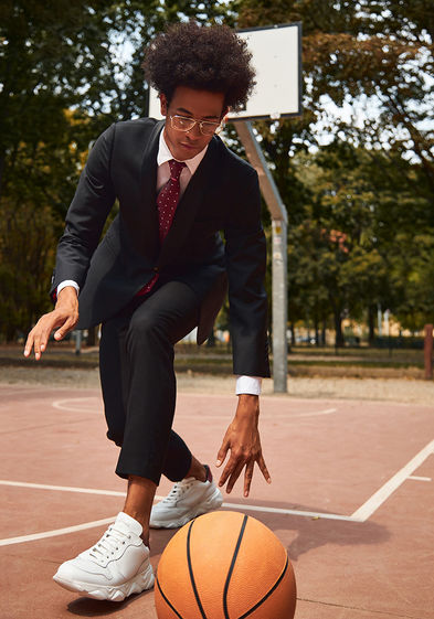 savelli shoes snickers sport basketball suit challenge social media sharecampaign