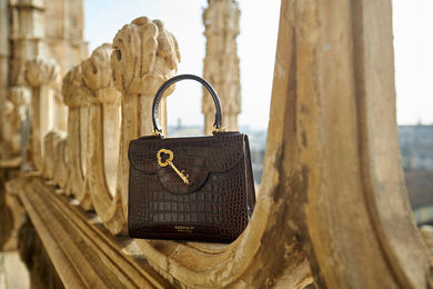 cardinalno First Lady Secrets croc-effect chocolate brown leather bag duomo milano social media sharecampaign