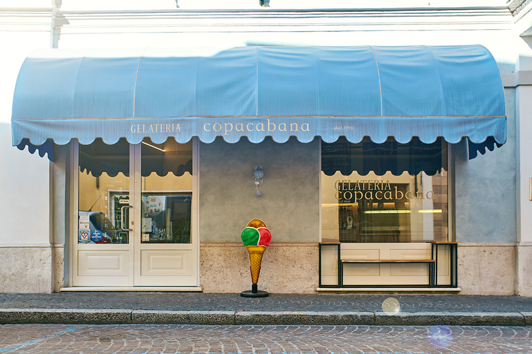 gelateria_copacabana_exterior_contacts.j