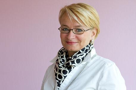 Frau Jeannette Wicki-Breitinger als Impulsgeberin und Inhaberin von Ressourcen-Impuls Zürich.
