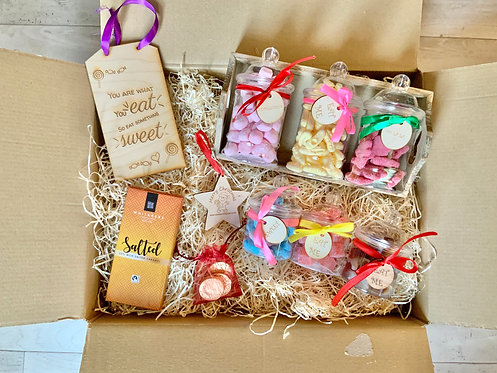 Sweets 'n' treats Hamper with Wooden Tray.