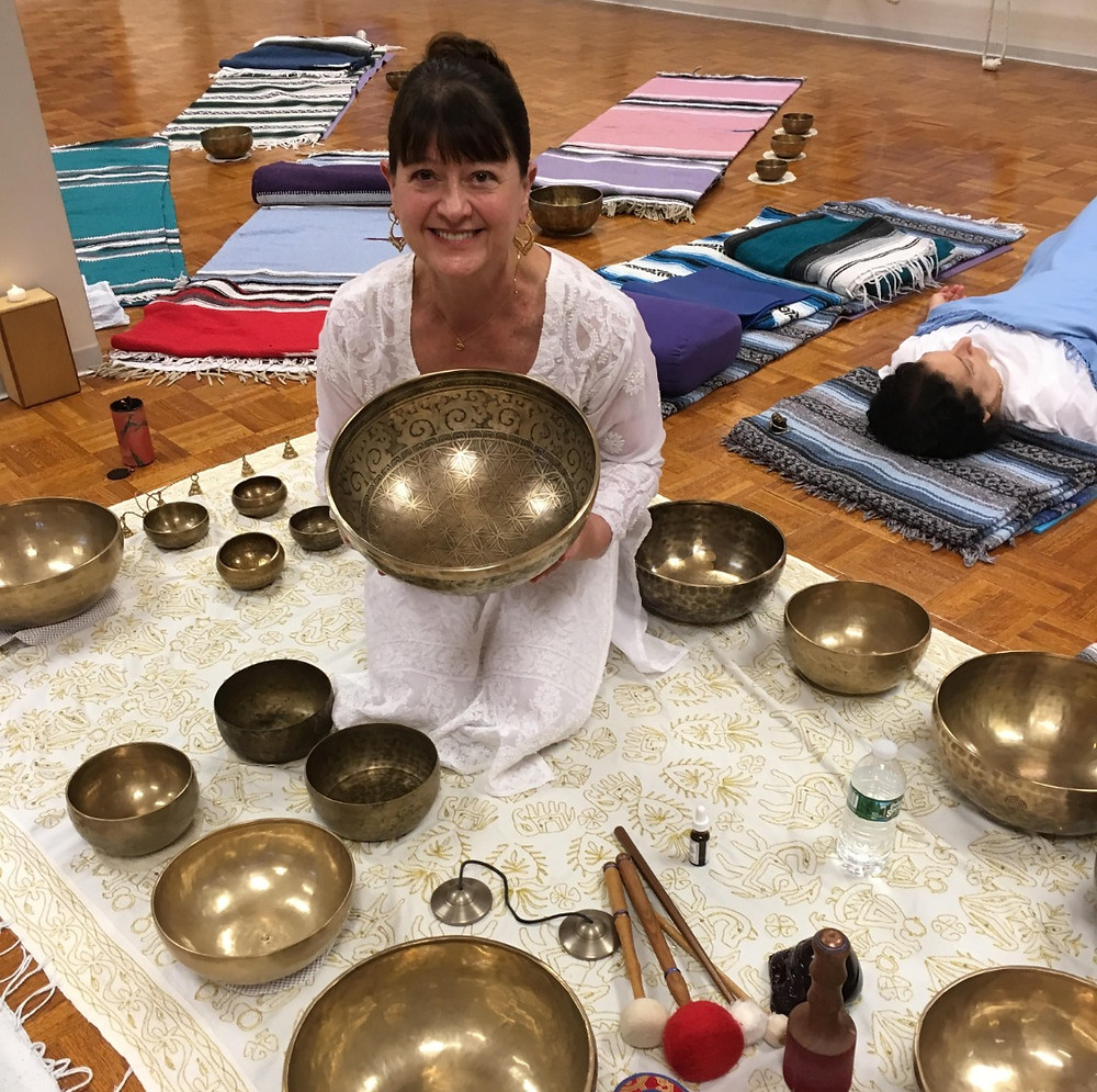 Kati Walker at Arsha Vidya Gurukulam with Singing Bowls