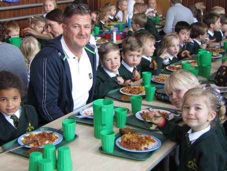 KS1 Hosted Lunch