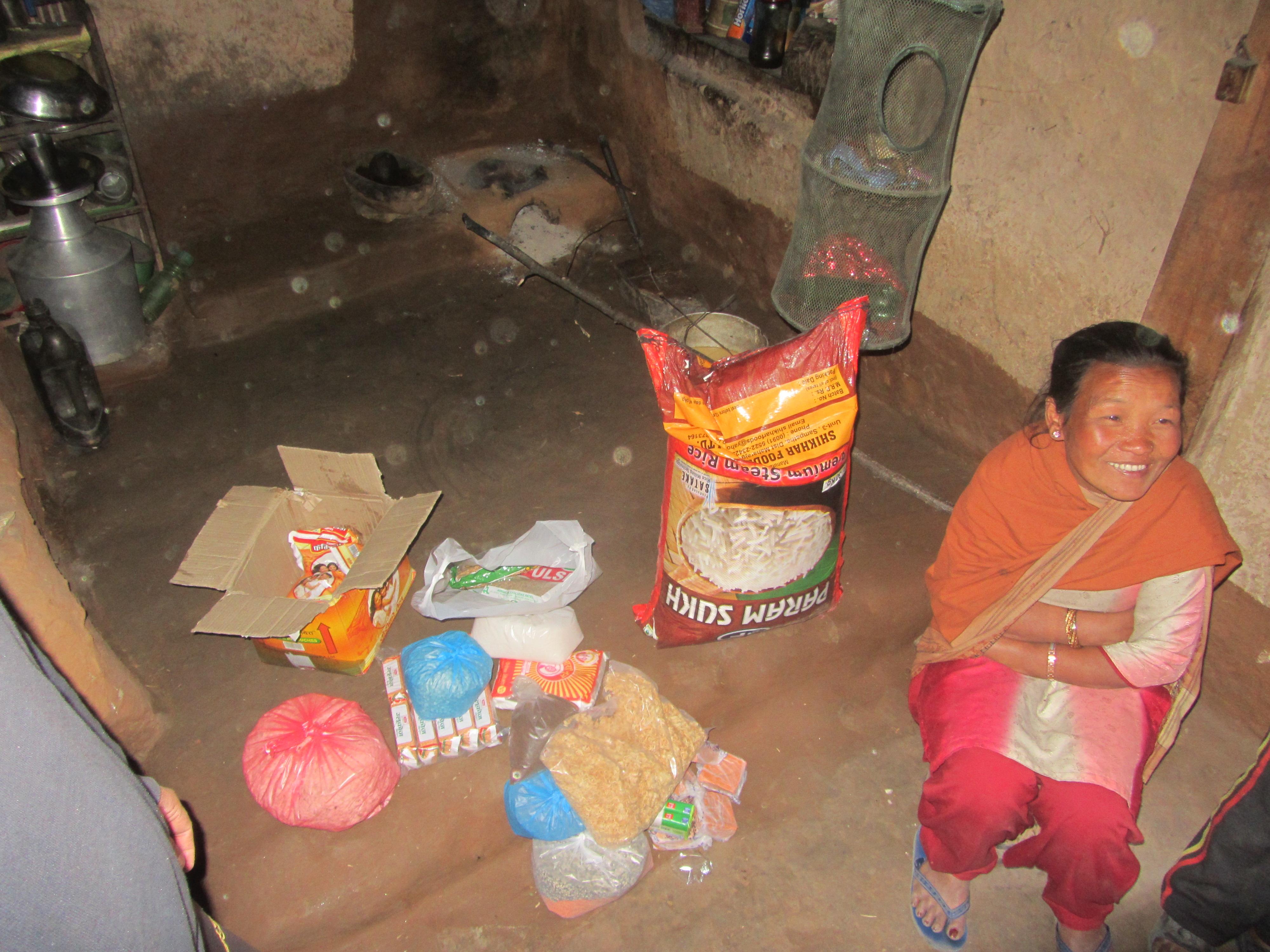 Mama Sunita in Ihrem Haus
