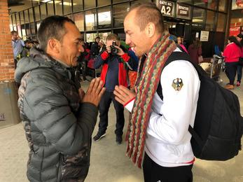 Weltmeister überreicht Spende an Mukta Nepal