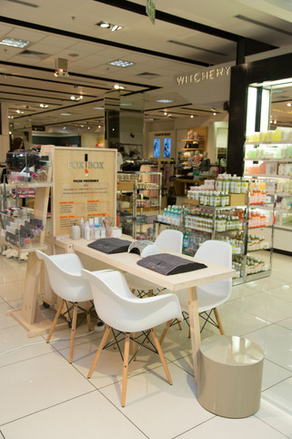 FoxBox Teams up with Woolworths