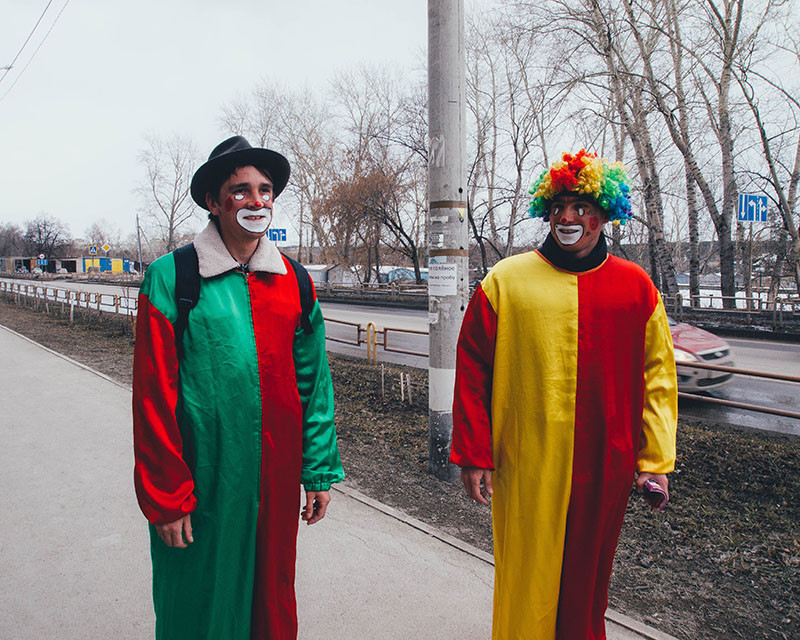 Two clown in the street