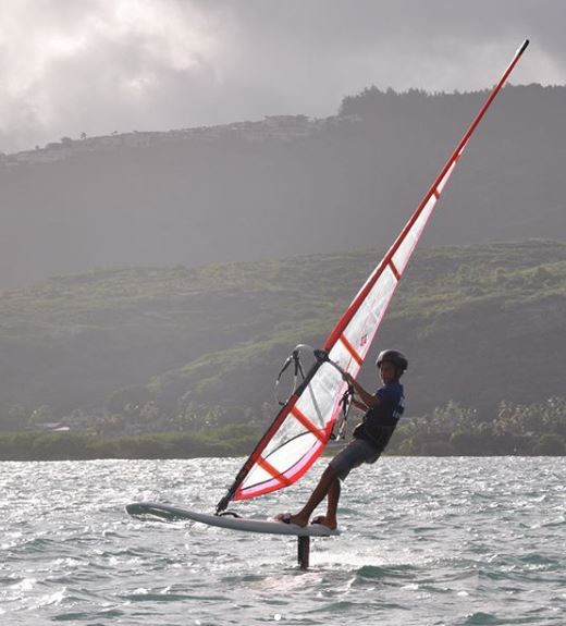 Mani Pahuatini foil windsurfing
