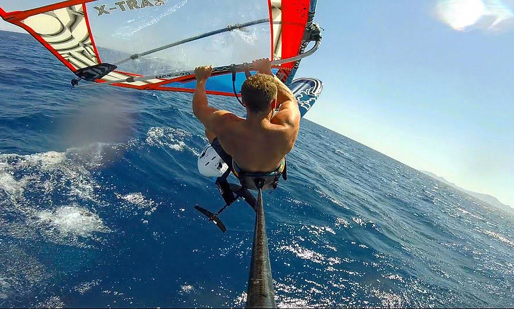 Foil jumping starboard