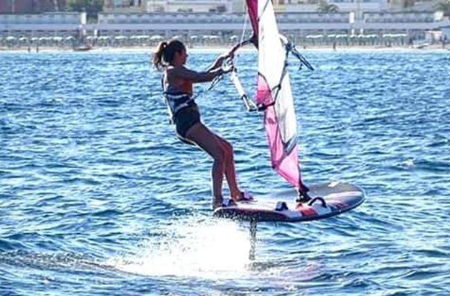 Marta Maggeti windsurf foil