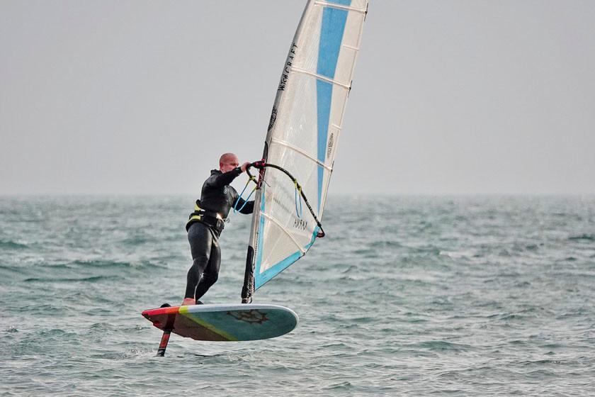 Windfoil gybe on Slingshot wizard 125