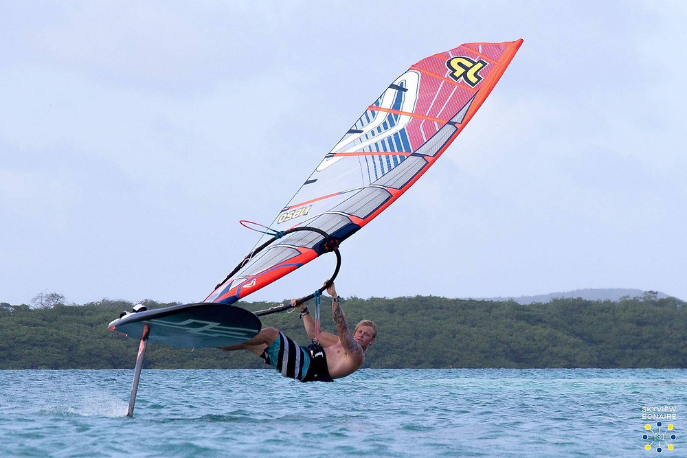freestyle windfoiling