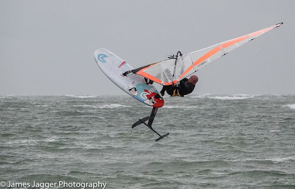 windfoiling jump