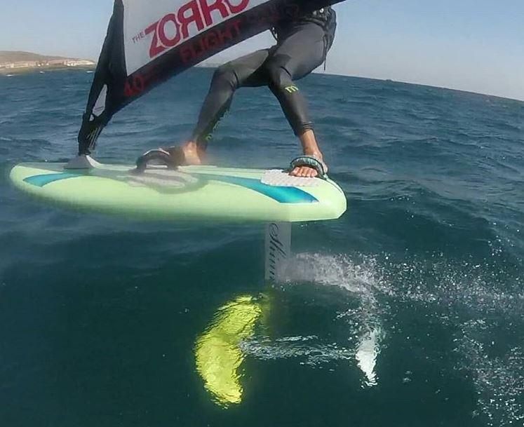 d'light short windfoil board