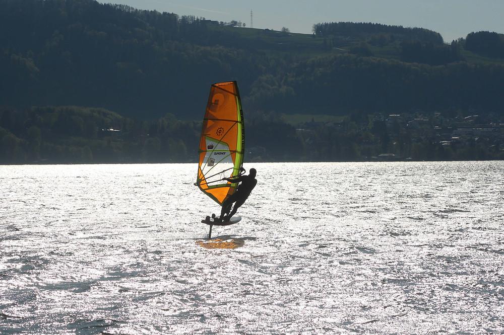 Windsurf foiling in austria