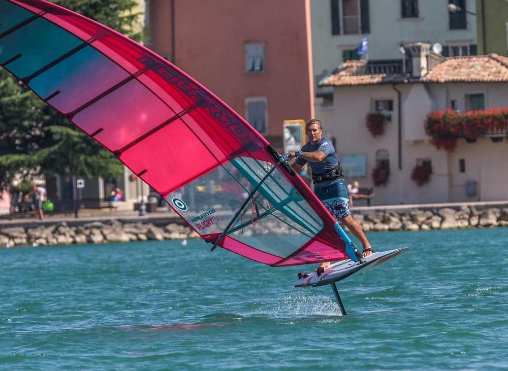 Antoine albeau foil windsurfing neilpryde
