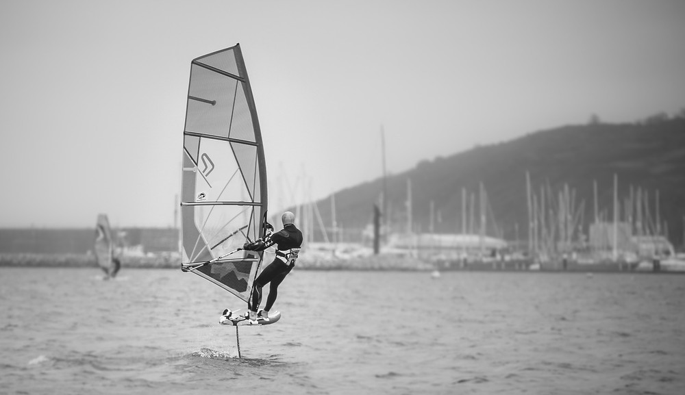 Windfoiling in the winter