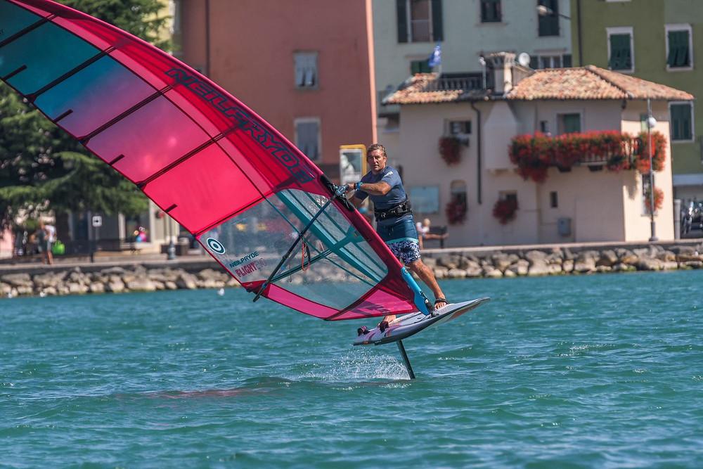 Windsurf foiling with Antoine Albeau