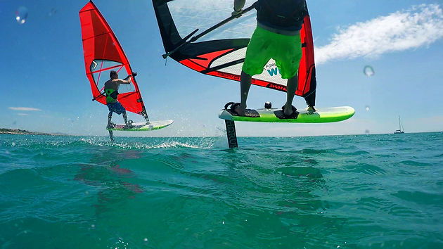 LEARN HOW TO WINDFOIL: 10-STEP BEGINNER'S GUIDE TO FOIL WINDSURFING