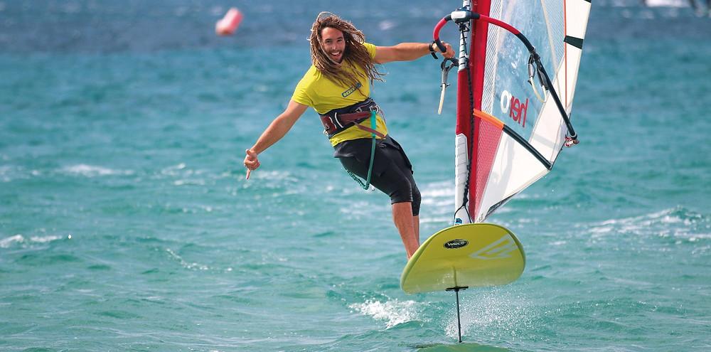 learning windsurf foil in Roses Spain