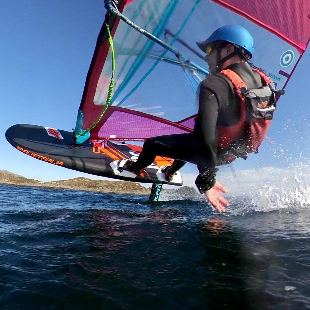 Øyvind Birkeland windfoiling upwind