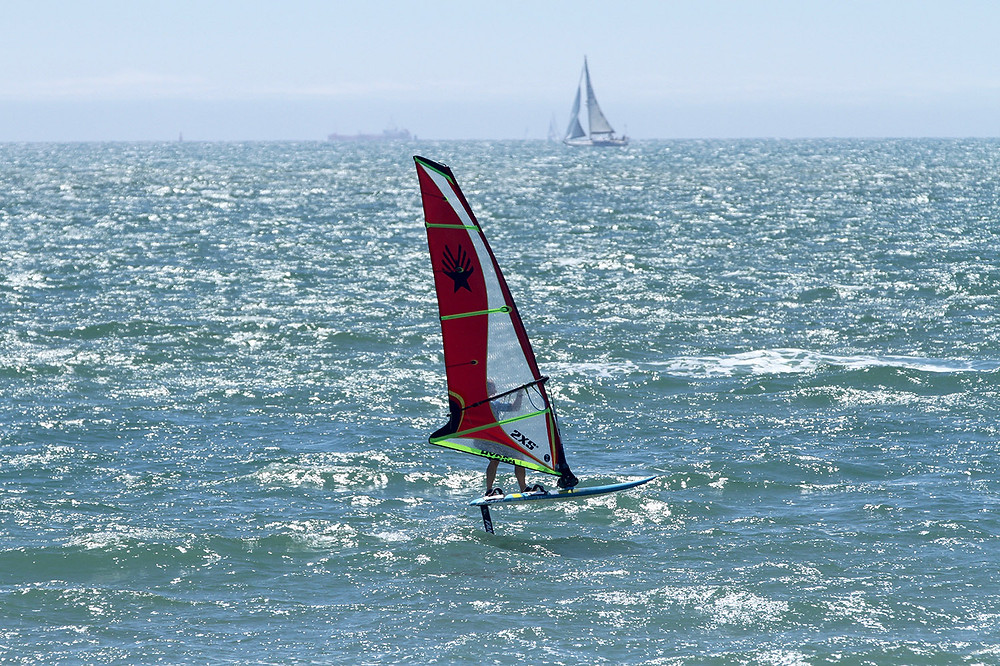 Ezzy Hydra windfoiling sail
