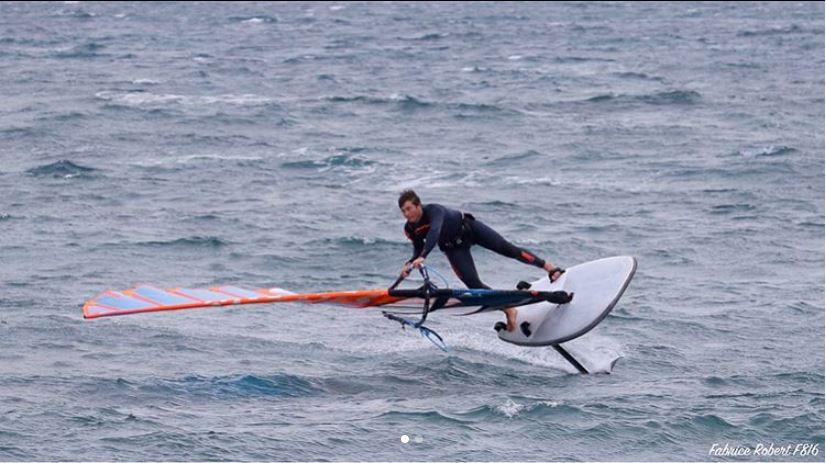 Nicolas jibing with a windfoil hydrofoil
