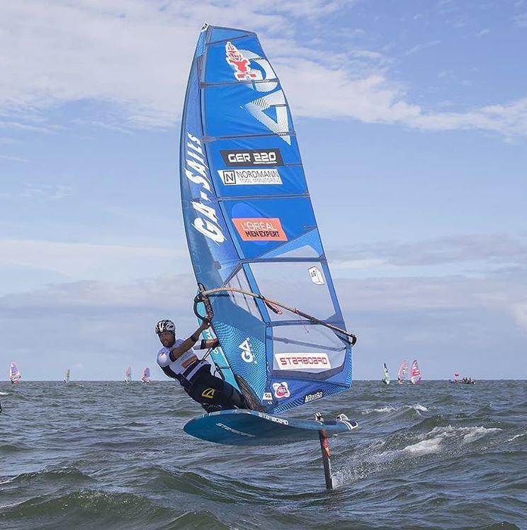 Sebastian Koerdel foil windsurfing