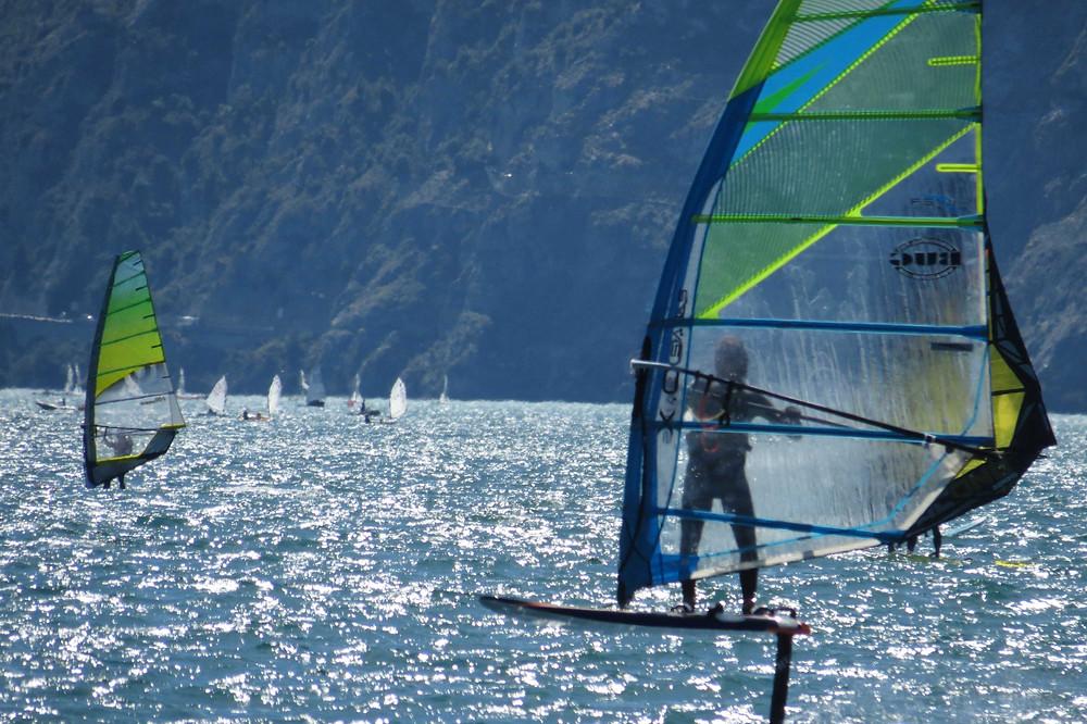 Light wind windsurf foiling on the lake