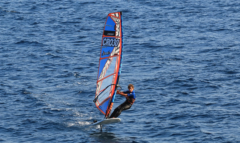 Ian Anic Cro30 windfoiling