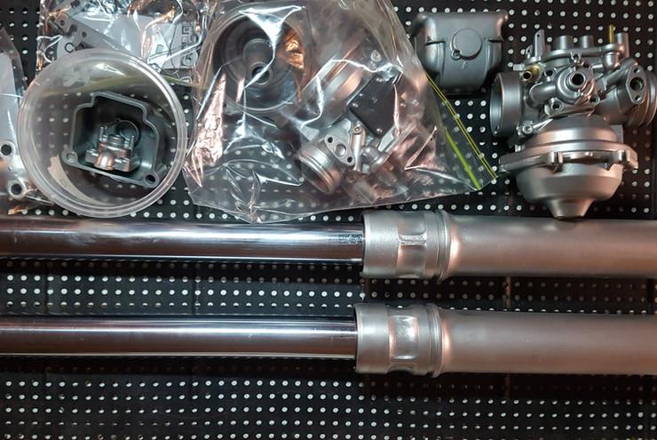 Yamaha XT500 forks