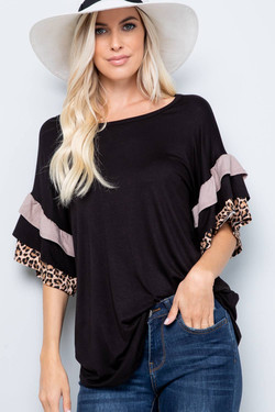 Black ss shirt with leopard