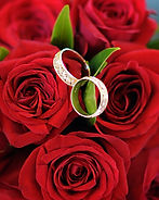 Wedding details, rings, roses, photography by Holman Photography