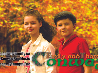Conway performs final outdoor show of 2015 at Lester`s Farm`s Pumpkinfest.
