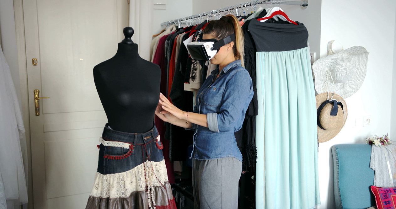 female-tailor-in-vr-headset-PMVXS4A.jpg