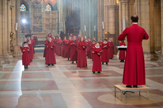 Truro Cathedral Choristers singing Gee S