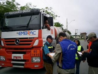 Risco no transporte de inseticidas e raticidas e erros na fiscalização do transporte